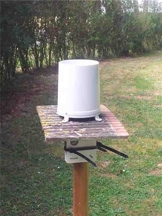 Photo pluviomètre Oregon Scientific WMR100
