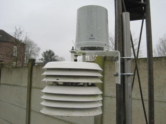 Photo pluviomètre Oregon Scientific WMR88