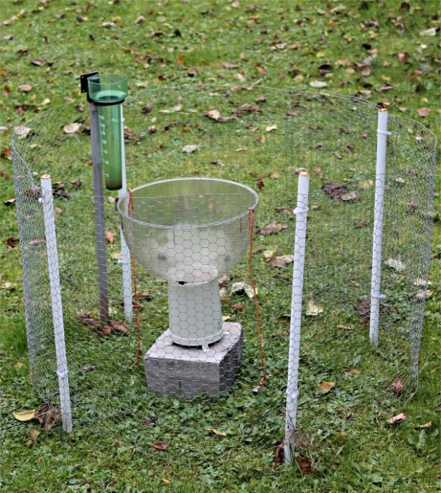 Photo pluviomètre Oregon Scientific WMR200